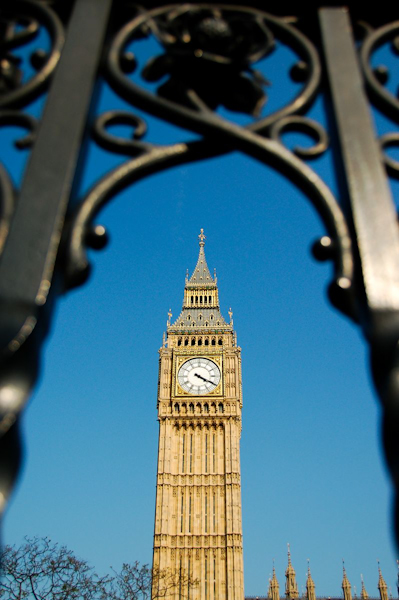 Big Ben, framed in London