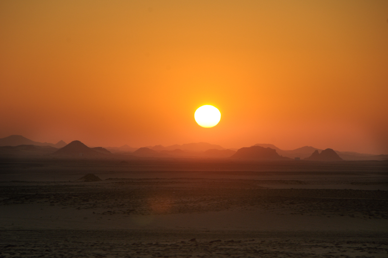 Sunrise across Sahara