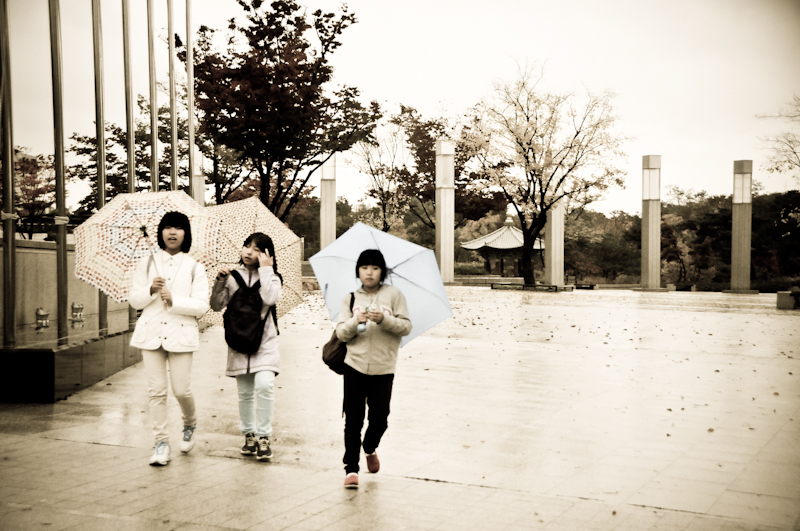 Girls with umbrella, Seoul